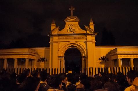 El 24 de febrero desde las 7:00 p.m. se disfrutó una noche sorprendente en Bogotá: Cine de Terror en el Cementerio Central.