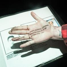 Y 'Doble oficio por la entrega digna', memoria a través de lectura y fotografía
