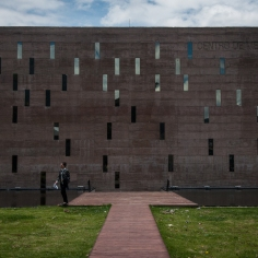 A través de la exposición ¿Dónde están los desaparecidos?, el Centro de Memoria, Paz y Reconciliación Distrital alienta a los colombianos a pensar sobre las más 146 mil víctimas desaparecidas de manera forzosa y las cerca de 890 mil masacradas.