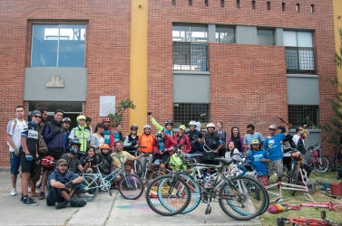 El llamado se hizo público y el pasado domingo 15 de marzo cuatro de las más importantes comunidades que salen a rodar por Bogotá en bicicleta se unieron a esta gran labor: Bikennedy (Kennedy), Sucicla (Engativa), Fontirueda (Fontibón) y Subase a la bici (Suba), fueron los que acudieron con más mano de obra y mucha buena energía.