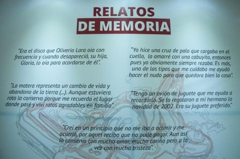 A través de la exposición 'Relatos de Memoria'. Resultado del proyecto Memo, 'Museos Escolares de Memoria', ganador de uno de tres incentivos en el marco de la II convocatoria Nacional de Propuestas Artísticas de Memoria 2014, ofertado por el Centro Nacional de Memoria Histórica