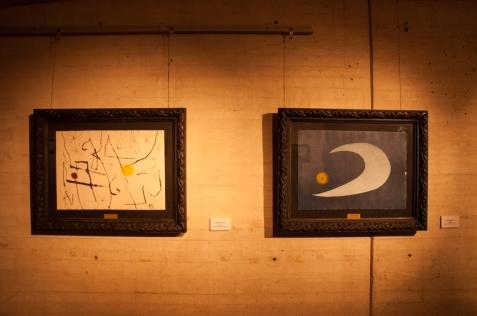 Son 52 piezas que dan cuenta de la devoción del pintor y poeta español Joan Miró por la naturaleza, los paisajes y las criaturas que los habitan, a través de estrellas, flores y lenguas de mar.