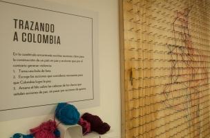 Y la cuadrícula para trazar a Colombia con palabras claves para construir un país en Paz.