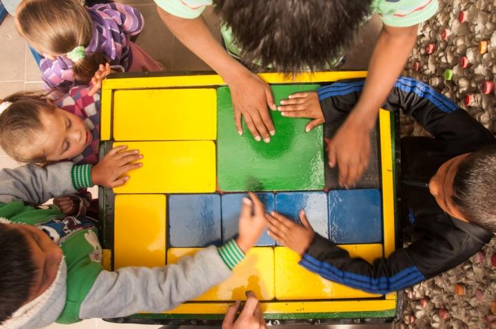 15.[…] Sin dejar a un lado los juegos de manualidades como ese para sacar el cuadrado verde moviendo las demás fichas […]