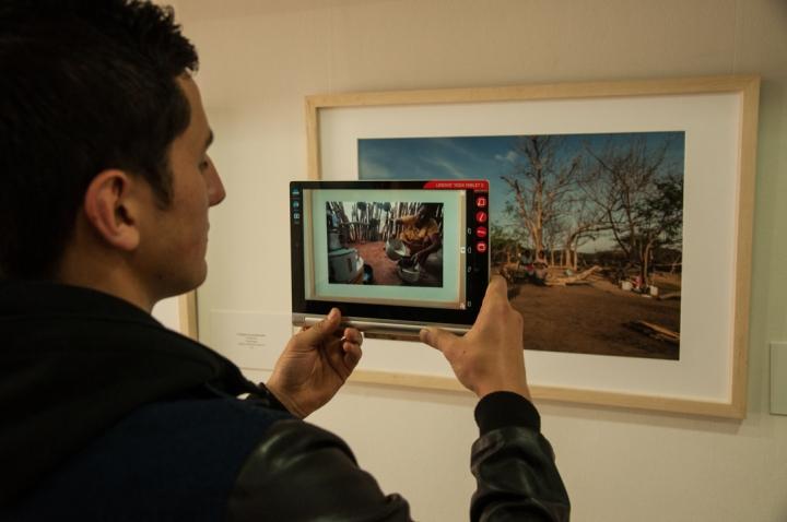 10.A través de una app para tablets y smartphones, los usuarios pueden disfrutar cómo las fotografías se transforman en videos.