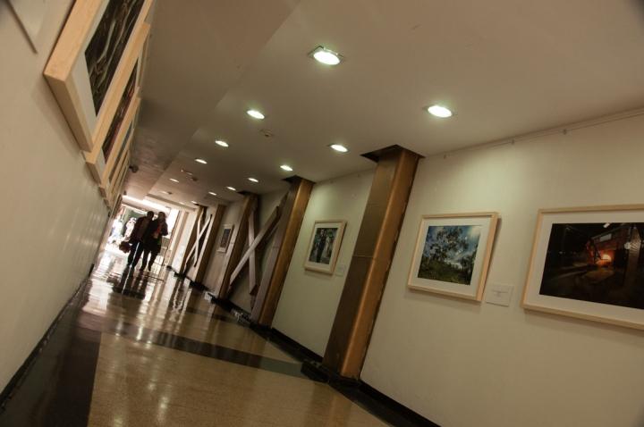 6.Los fotógrafos Pineda y Rippe recopilaron en 14 fotografías su viaje y están expuestas hasta el 29 de agosto en el Callejón de Exposiciones del Teatro Jorge Eliecer Gaitán.