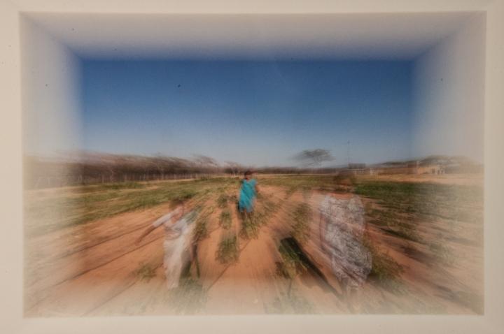 9.La exposición de fotografía se complementa con realidad aumentada.