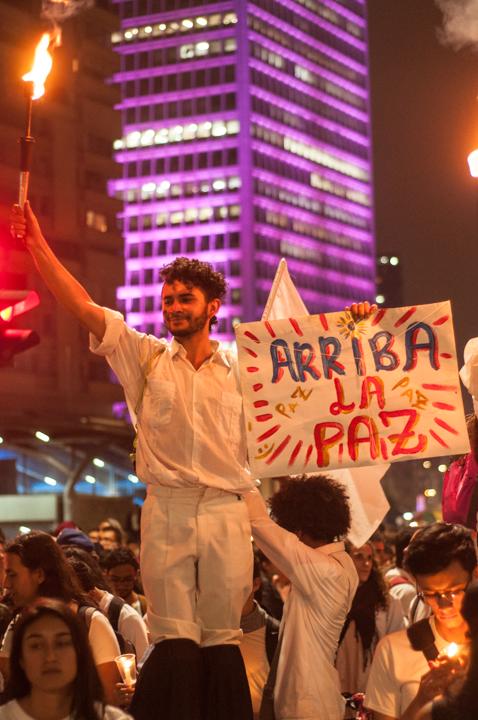 4.La marcha fue multitudinaria y en Bogotá arrancó desde las principales universidades públicas del país para terminar en la Plaza de Bolívar.