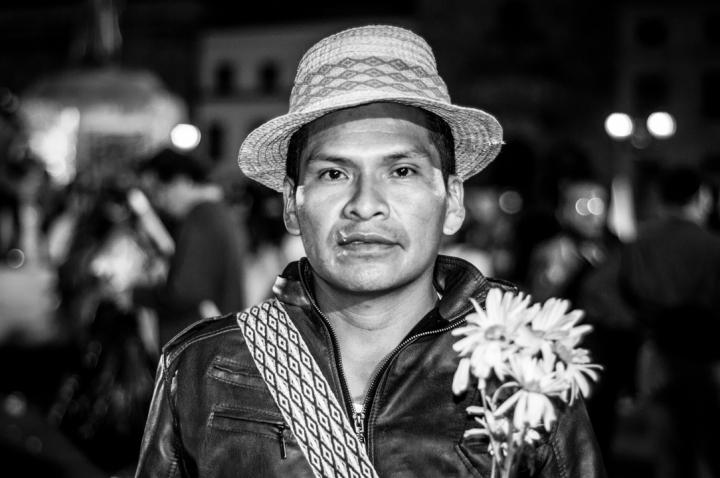 En Colombia la violencia generada por el conflicto armado afecta de manera directa y desproporcionada los 102 pueblos indígenas reconocidos por la Organización Nacional Indígena de Colombia (ONIC). En contraste a las 87 reconocidas por el Estado.