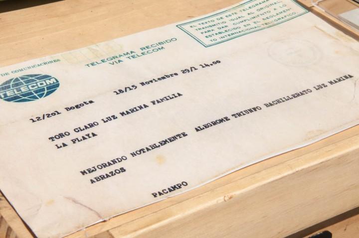 El telégrafo fue el aparato de comunicación que conectó los estados de la entonces llamada Estados Unidos de Colombia, y su primera transmisión se realizó desde Cuatro Esquinas, hoy conocida como Mosquera, hacía Bogotá.