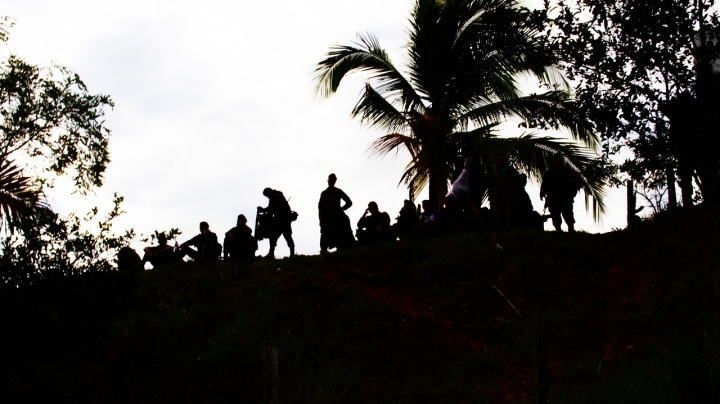 """3.Así lo reconoce Diego, un próximamente exguerrillero, quien dijo aprendió a """"leer, escribir y multiplicar"""" durante su estadía en un campamento, donde ha pasado sus últimos 20 años sirviendo a las FARC."""