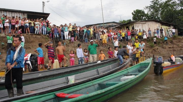 4.La movilización alegró a los habitantes de los municipios cercanos donde históricamente se asentó este grupo en Putumayo, quienes demostraron su apoyo recibiendo y despidiendo a los miembros de las FARC, en cada uno de los pueblos de donde partían y llegaban.